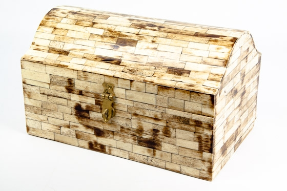 Ivory Table Top Distressed Chest main image