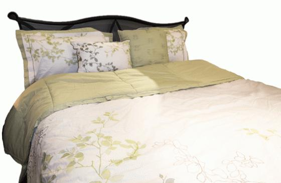 Floral Queen Bedding main image