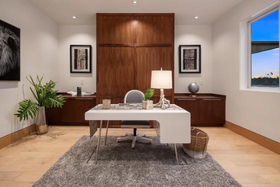 White Desk  Image 2