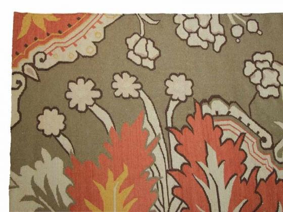 Wool Rug with Leaf Design main image