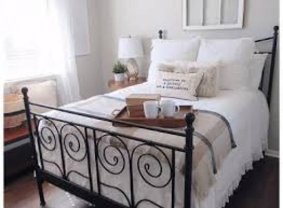 Queen Iron Bed Image 2