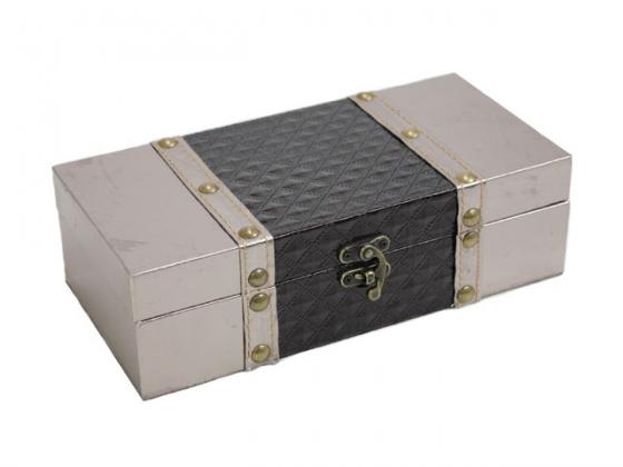 Diamond Patterned Box w/ Studs main image