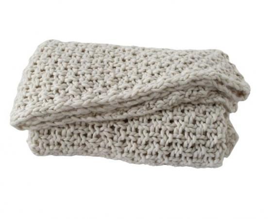 Chunky Knit Cream Throw main image