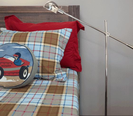 Twin Plaid Bedding Set main image